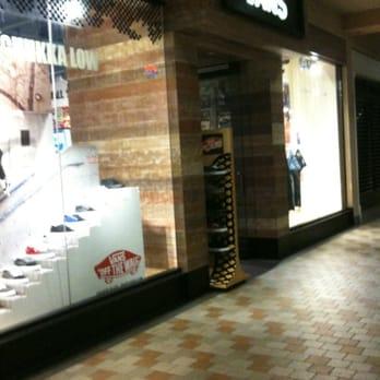 Ala Moana Center Shoe Stores