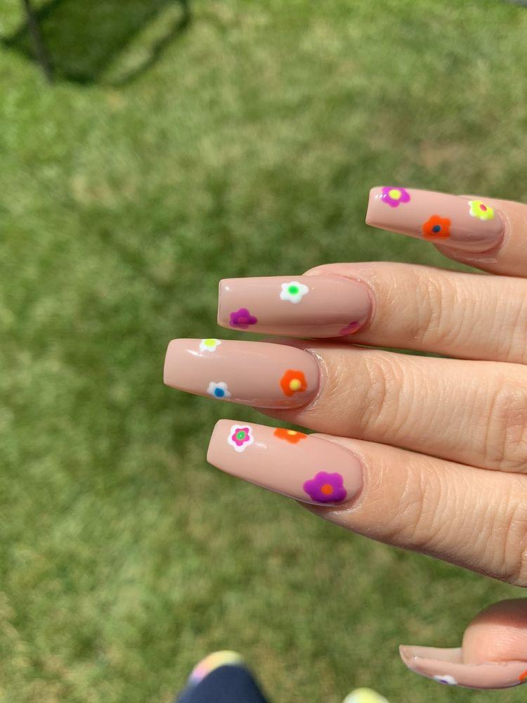 Magic Nails: 3041 Butterfield Rd, Oak Brook, IL