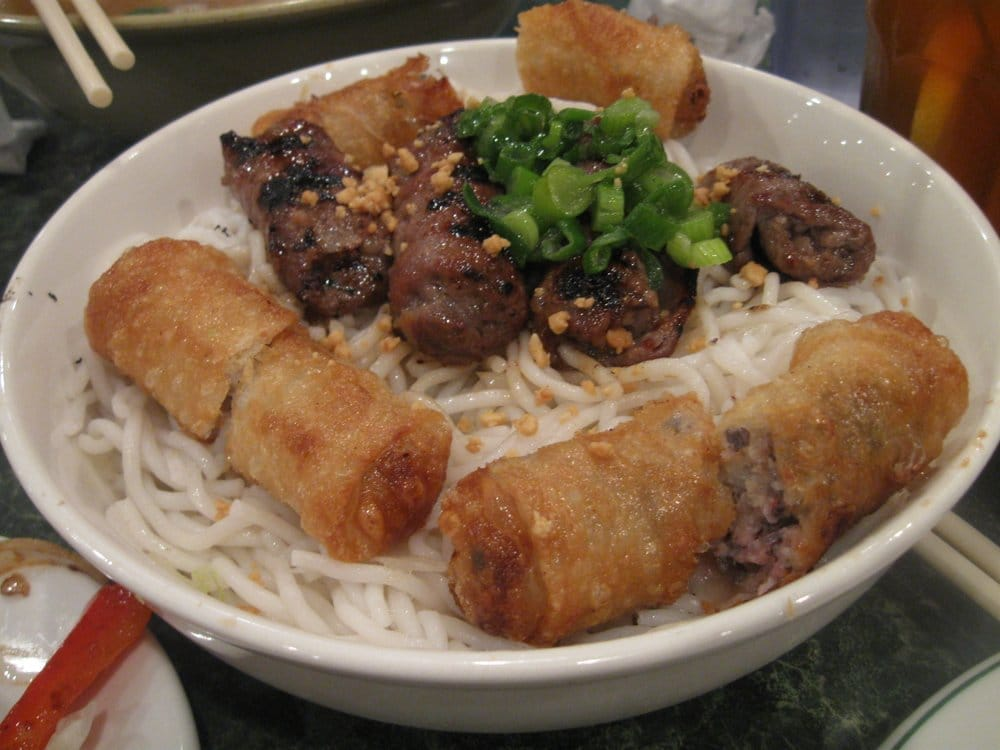 ... Grilled beef & spring roll with sesame seasoning lettuce on rice