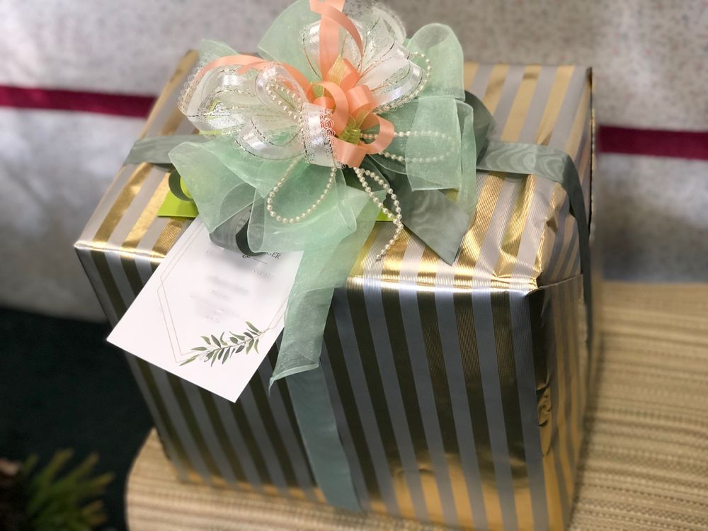 Heaven Scent Flowers And Gifts: 11146 Hwy 62, Eagle Point, OR