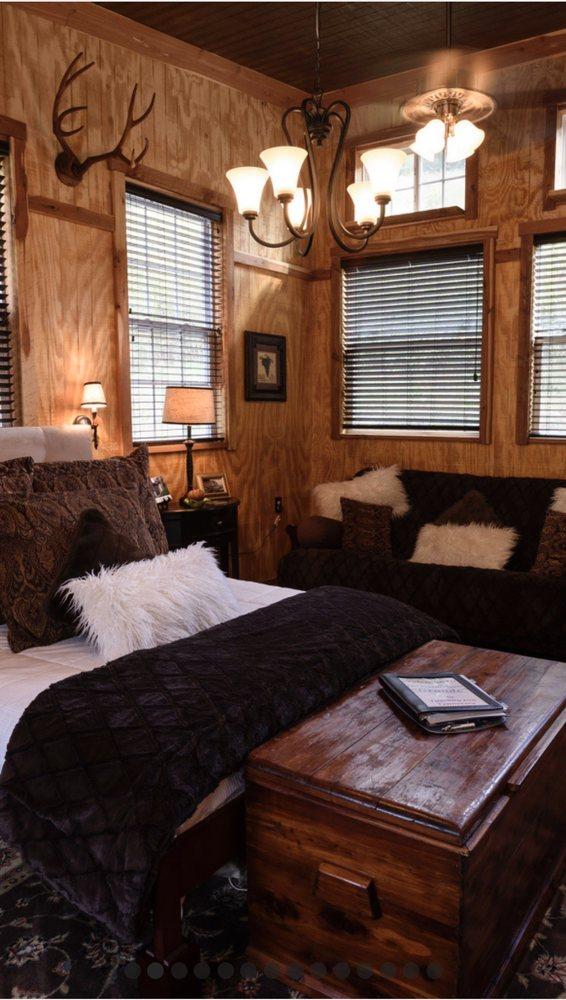 Tuscany Inn Tennessee: 45 Nabors Hollow Ln, Hickman, TN