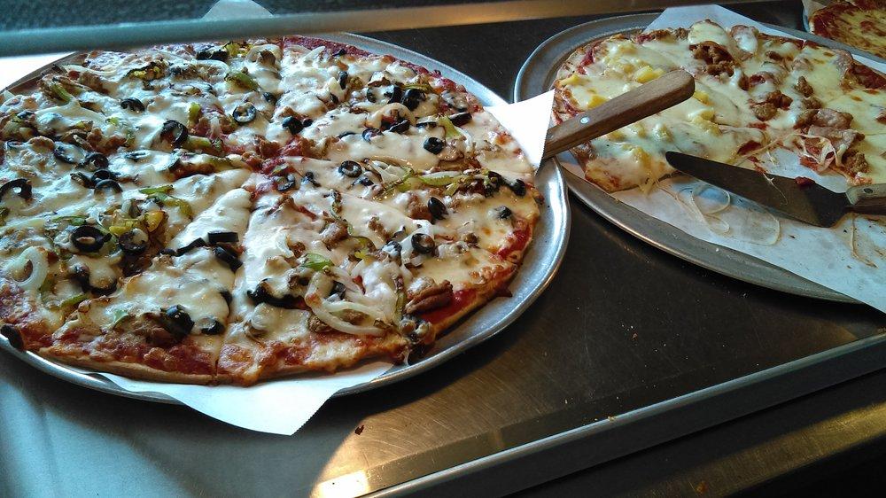 Mansetti's Pizza & Pasta: 23042 Saint Francis Blvd NW, Saint Francis, MN