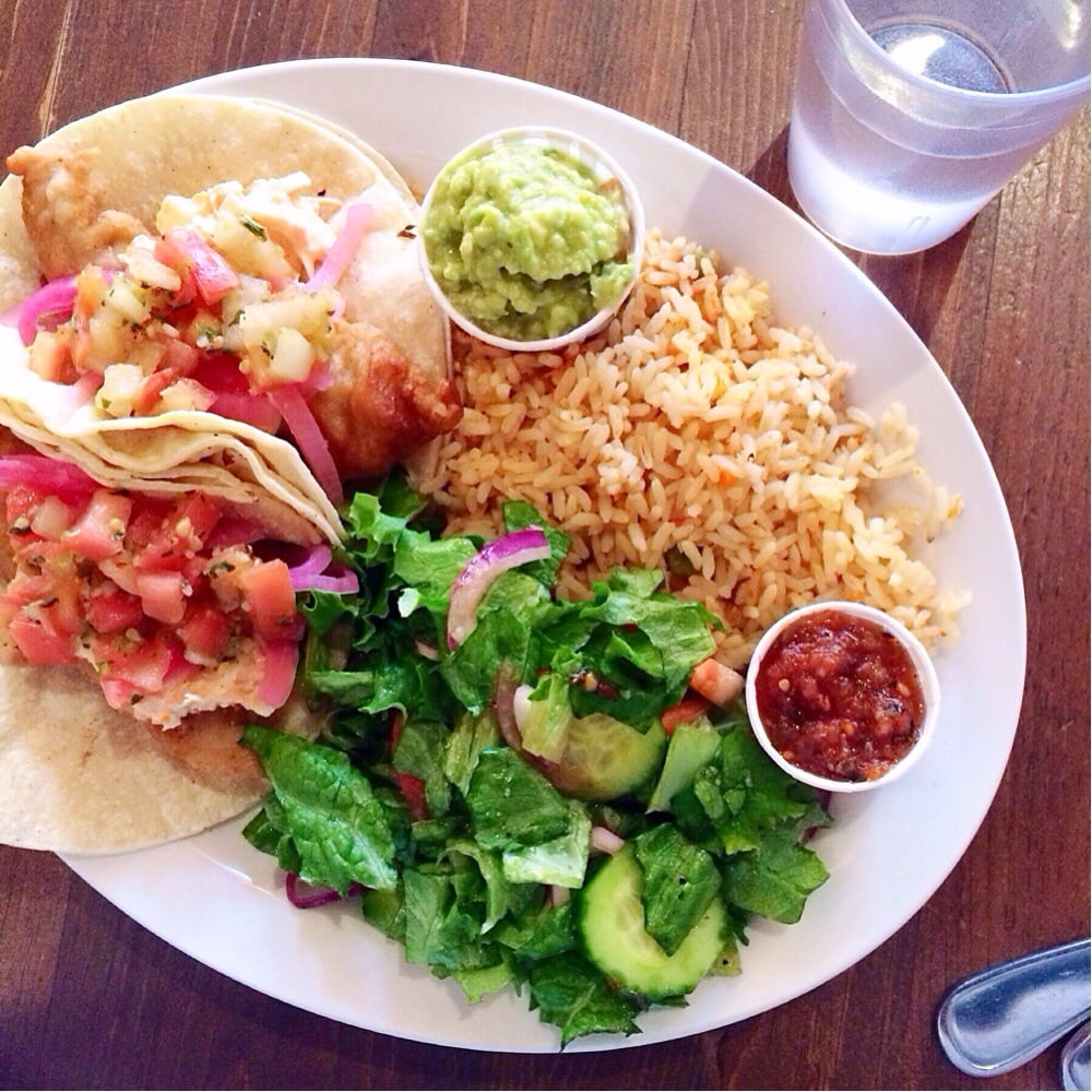 Fish taco lunch special amazing yelp for Fish tacos near my location