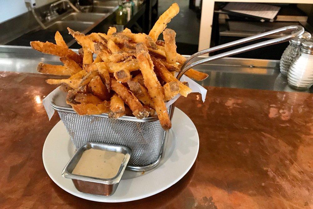 Hyde Park Bar & Grill WestGate: 4521 West Gate Blvd, Austin, TX