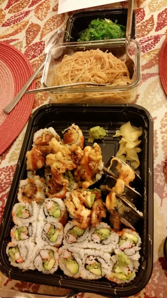 Food from Maguro House