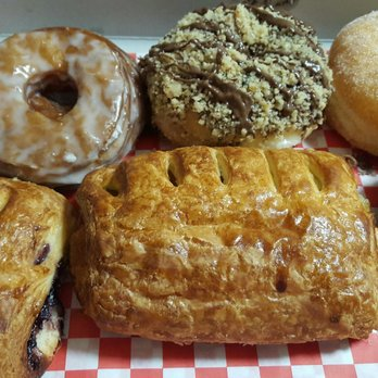 SK Donuts & Croissant - 1494 Photos & 1314 Reviews - Donuts - 5850 W ...