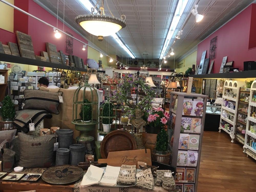 Rowena's: 160 W Main St, Morristown, TN