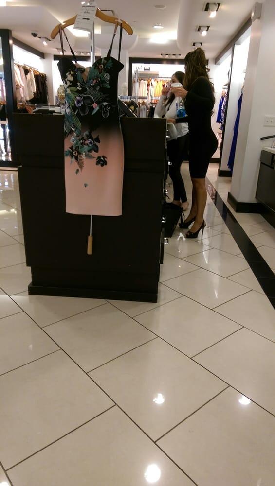 Beb' Goes Shopping