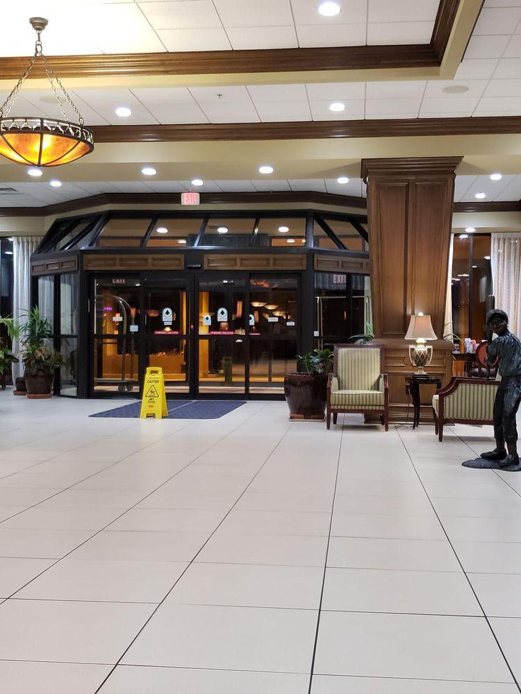 Decatur Conference Center & Hotel: 4191 W US Hwy 36, Decatur, IL