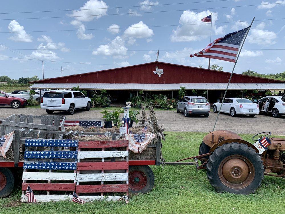 Efurd Orchards: 4004 Hwy 271 S, Pittsburg, TX