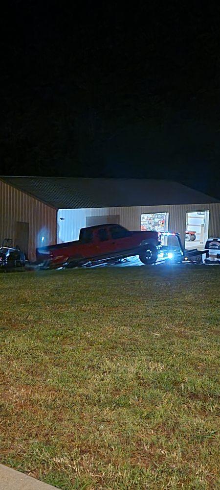 Newcomb Wrecker & Recovery: 218 Edison, Benton, AR