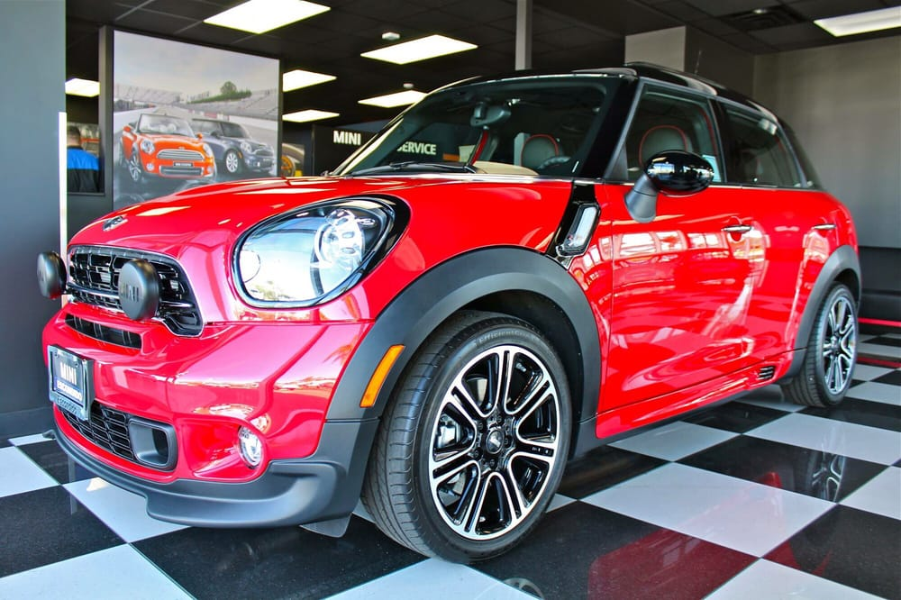 chili red 2015 jcw countryman the biggest baddest mini yelp. Black Bedroom Furniture Sets. Home Design Ideas