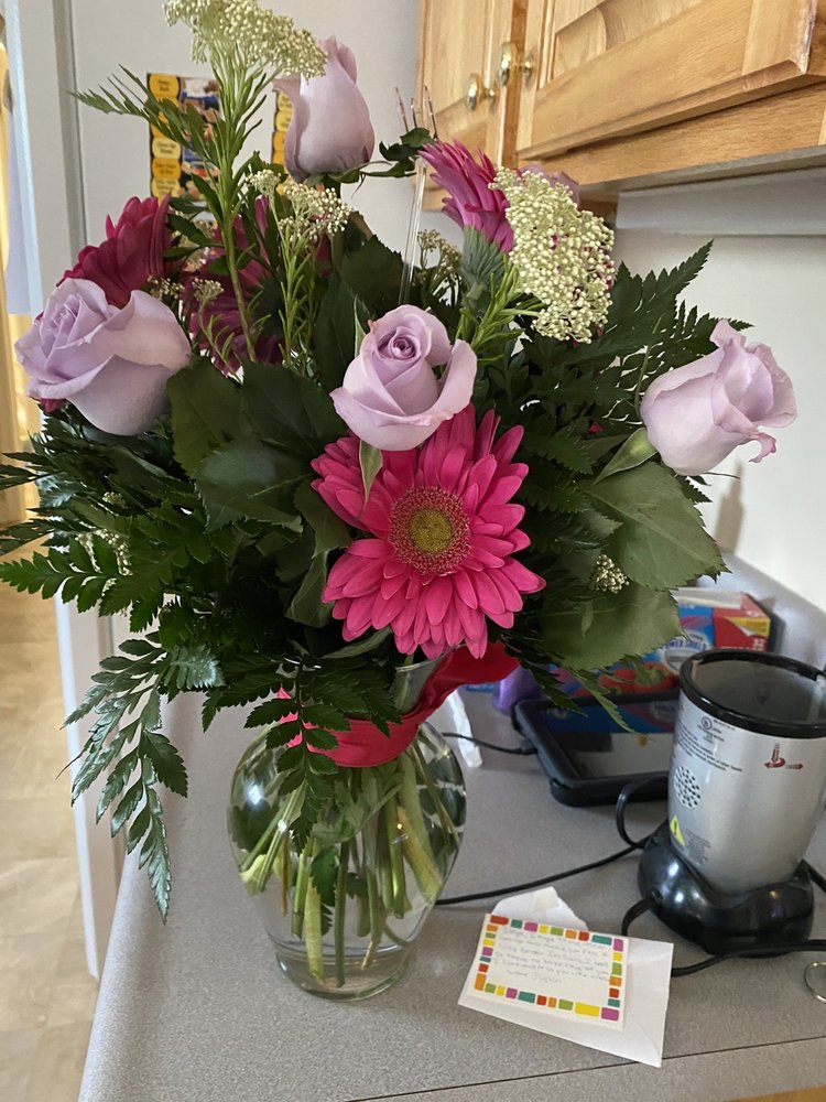 Flowers For You: 1208 B Parkway Dr, Goldsboro, NC