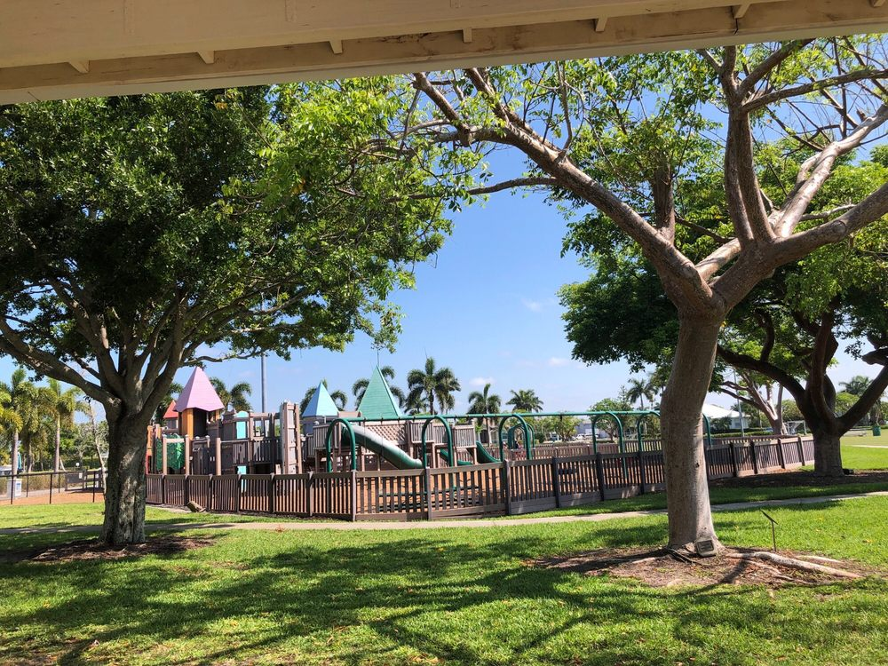 Mackle Park: 1361 Andalusia Ter, Marco Island, FL