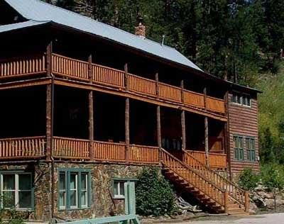Hisega Lodge: 23101 Triangle Trl, Rapid City, SD