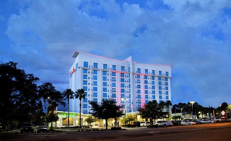 Restaurants Near Crowne Plaza Westshore Tampa