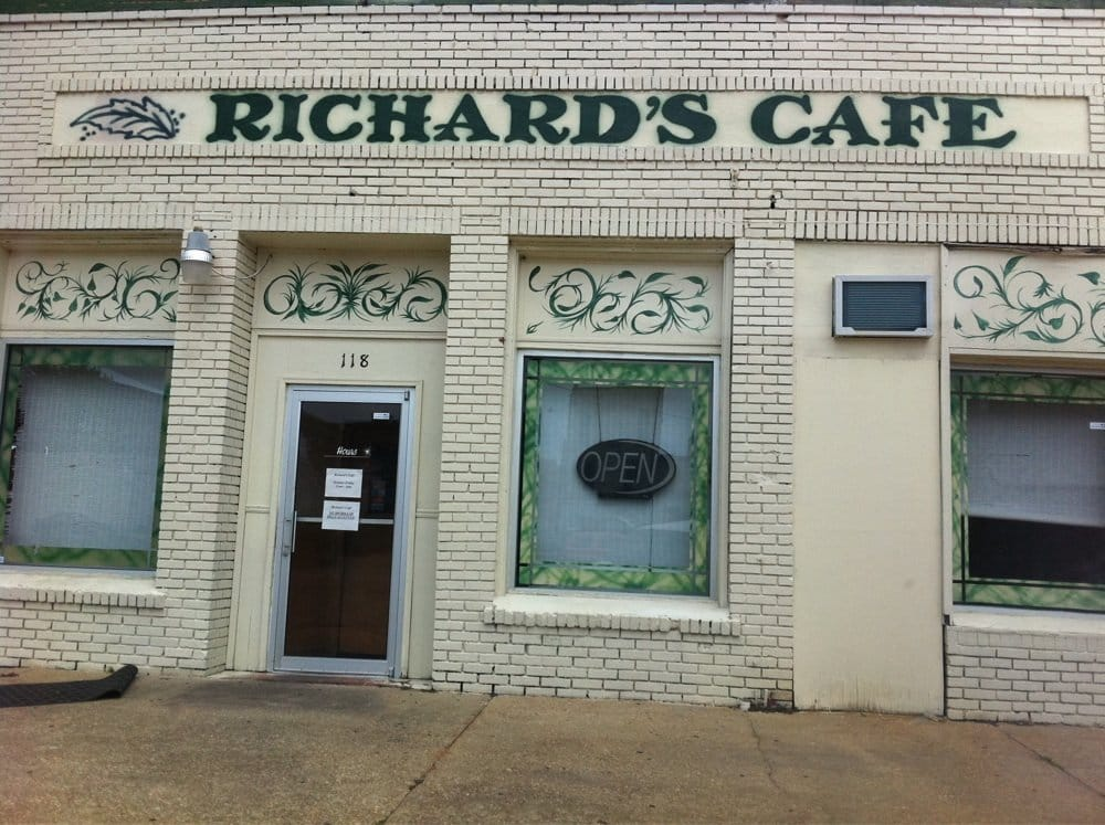 Richard's Cafe: 118 Washington St, Selma, AL