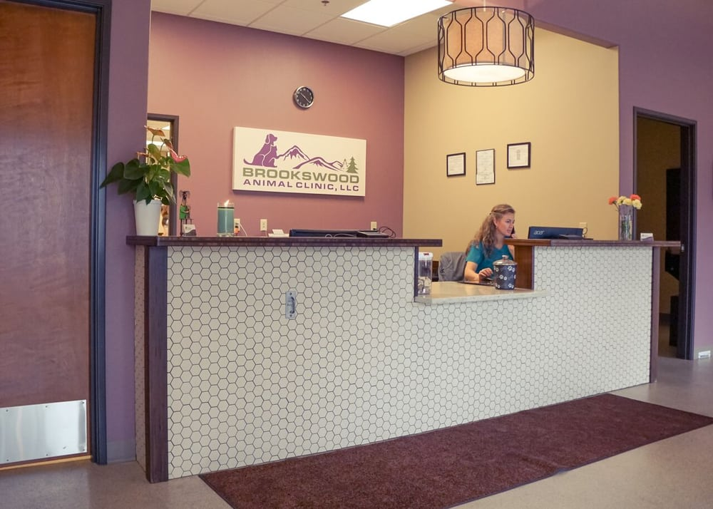 Brookswood Animal Clinic: 19550 Amber Meadow Dr, Bend, OR