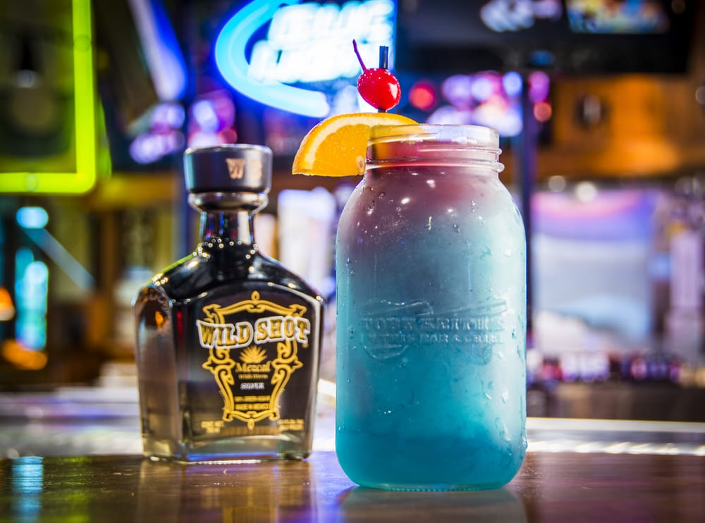 Toby Keith's I Love This Bar & Grill: 777 Casino Way, Thackerville, OK