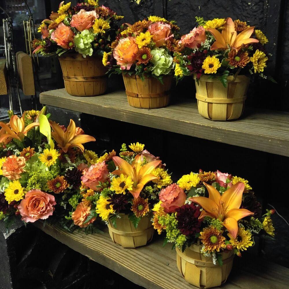Stanley's Florist & Gift Basket Shop: 227 W Union Ave, Bound Brook, NJ