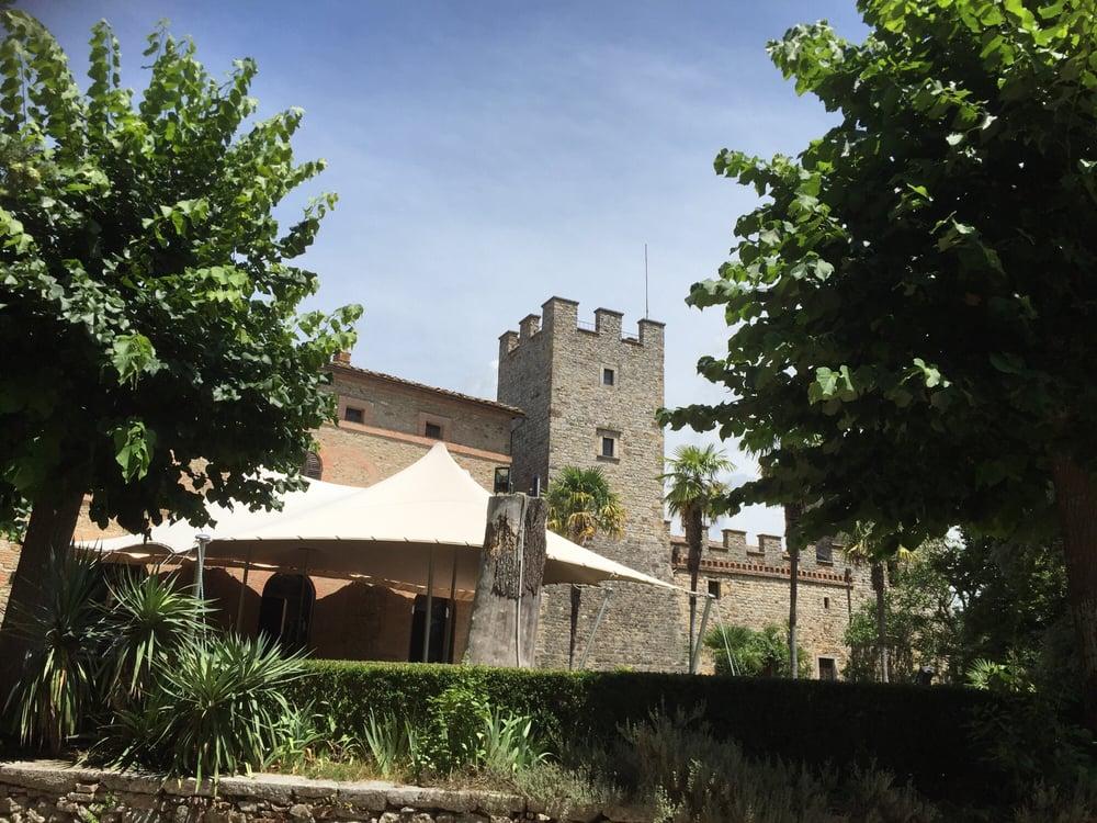 Foto su castello di modanella yelp - B b la finestra sul castello termoli ...
