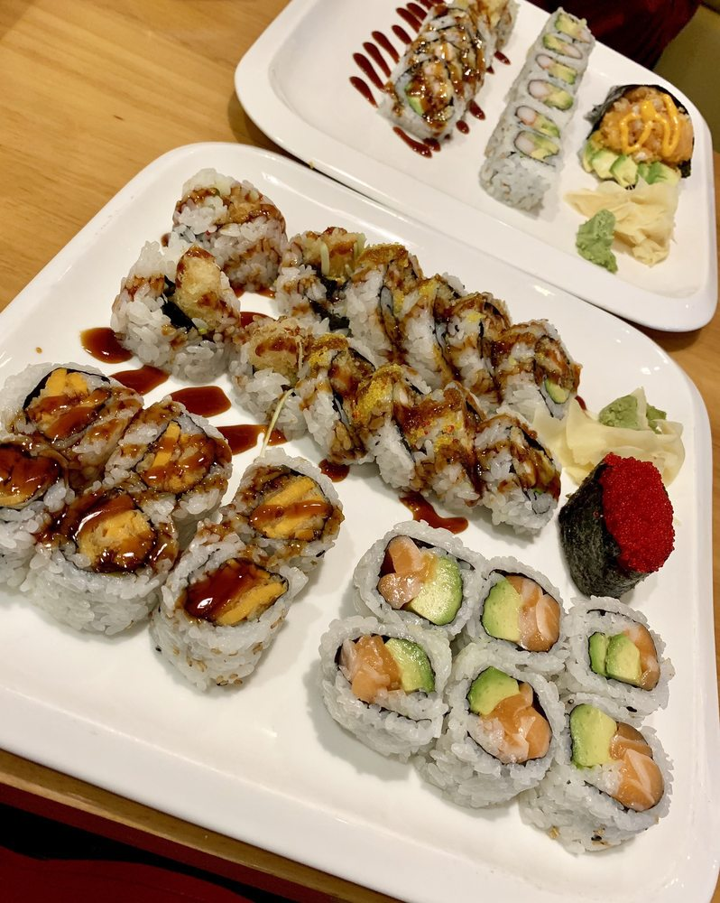 Osaka Sushi & Hibachi: 1900 County Rd D E, Maplewood, MN