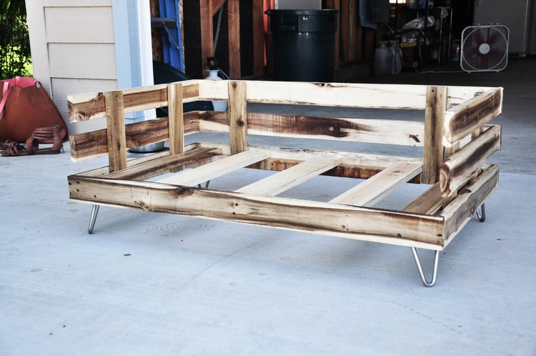 Diy Reclaimed Pallet Wood Dog Bed Frame Yelp