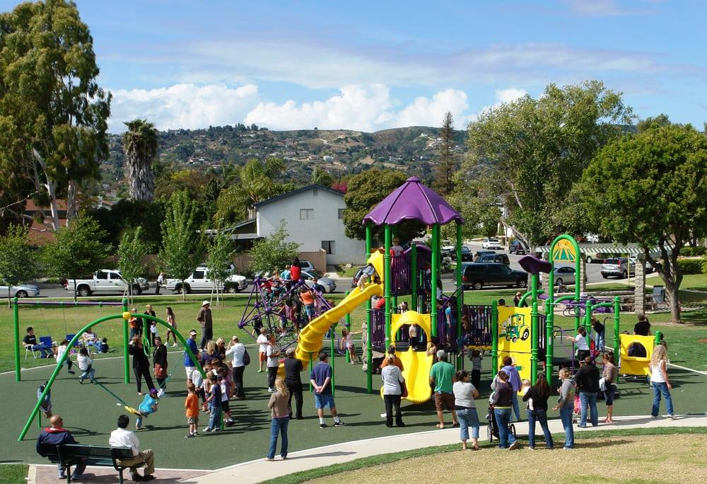 Camarillo Community Center: 1605 Burnley St, Camarillo, CA