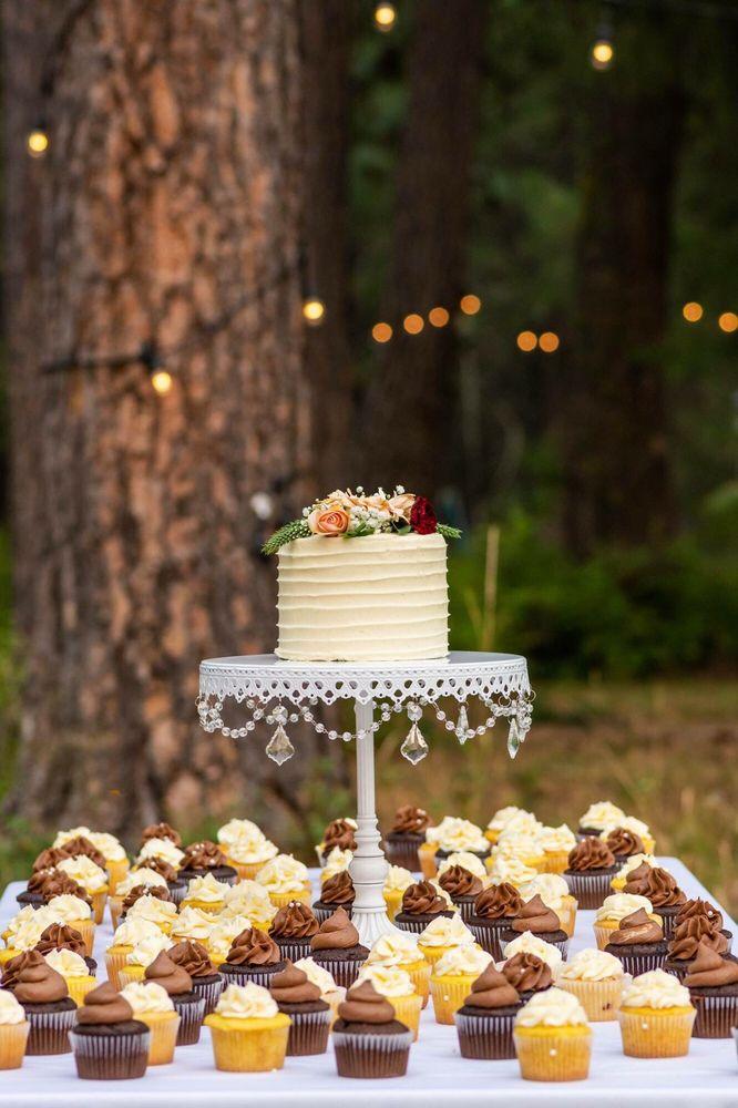 Stacie's Cakes: 830 N Spokane St, Post Falls, ID