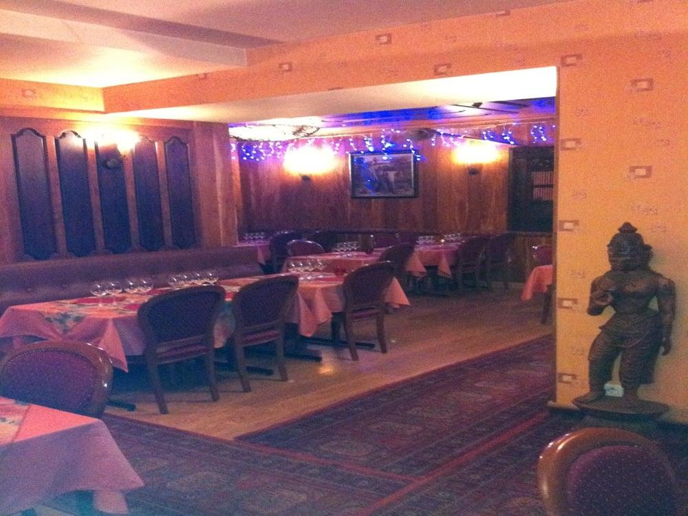 Restaurant Tandoori: 11 Rue Trois Frères Le Goff, St Brieuc, 22