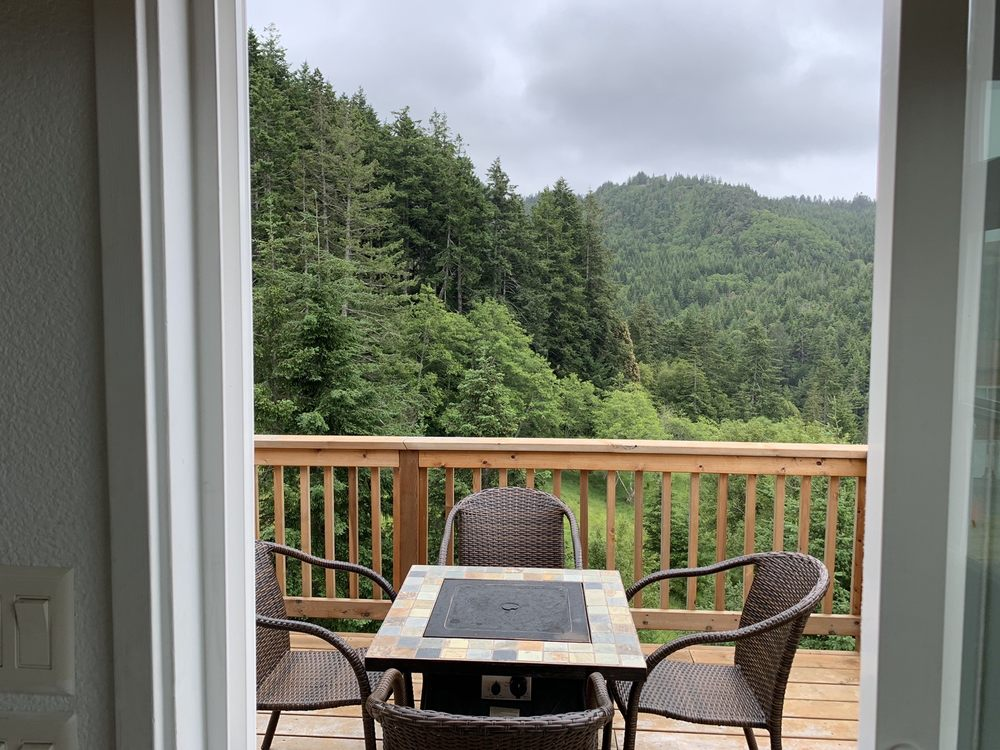 Rogue River Landing RV & Resort: 94764 Jerrys Flat Rd, Gold Beach, OR