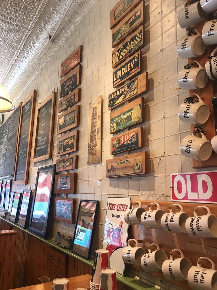 Cubbers Restaurant: 8 Main St, Bristol, VT