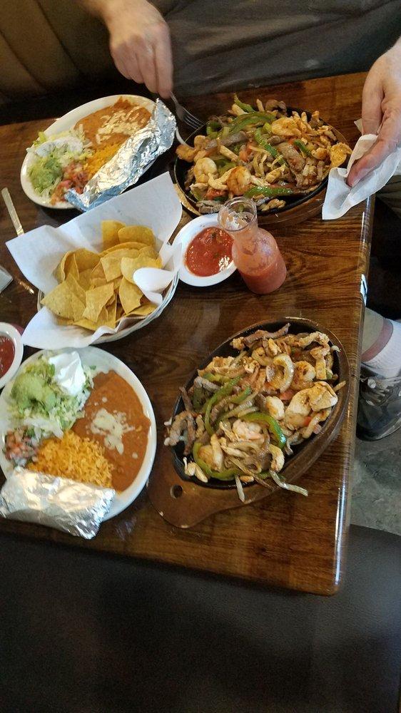 La Fogata Mexican Restaurant: 4265 Tl Rogers St NE, Cleveland, TN