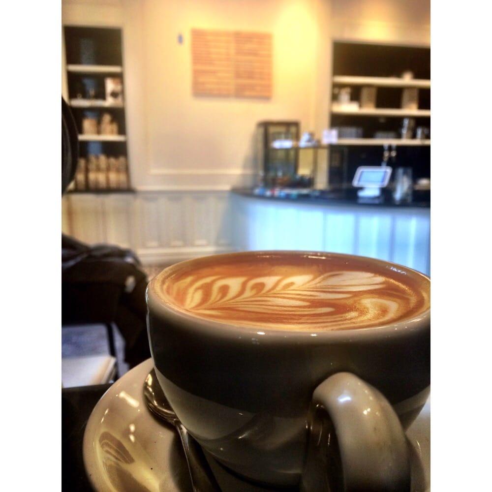 Almond Milk Caffe Latte