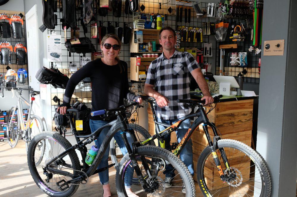 Bootlegger Bikes: 60 Main St, Jeffersonville, VT