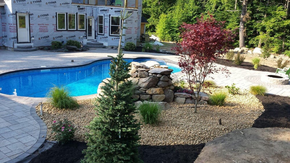 Giant Landscaping: 1071 Hanover St, Manchester, NH
