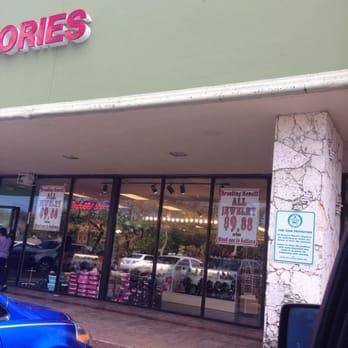 Shoes Store In Deerfield