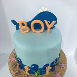 Creative Cakes 42 Photos Custom Cakes Central Lonsdale North