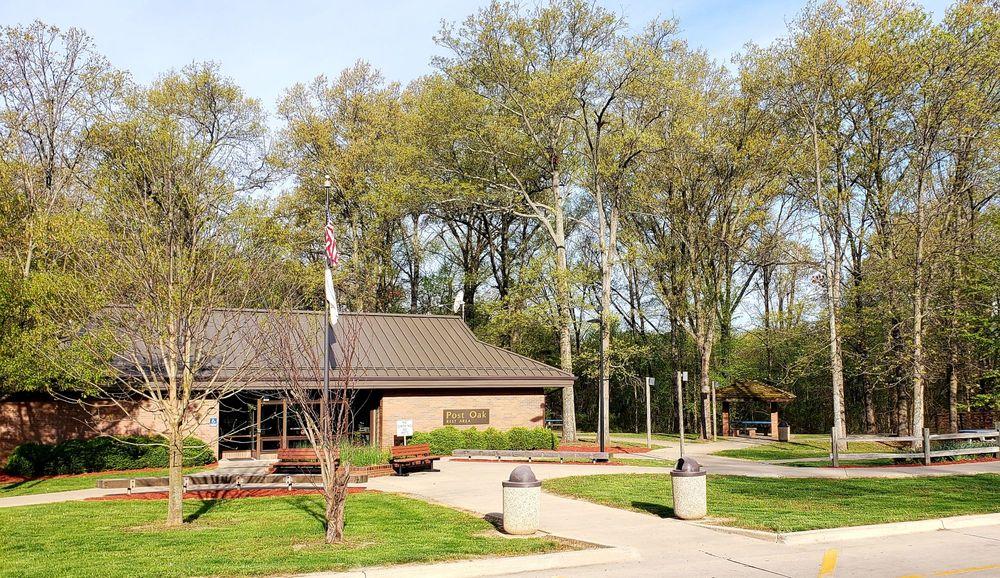 Post Oak Rest Area: Post Oak Rd, Salem, IL