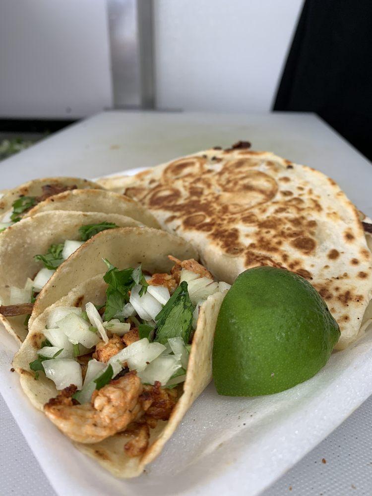 Nin's 5 Tacos: 20915 US-27, Groveland, FL