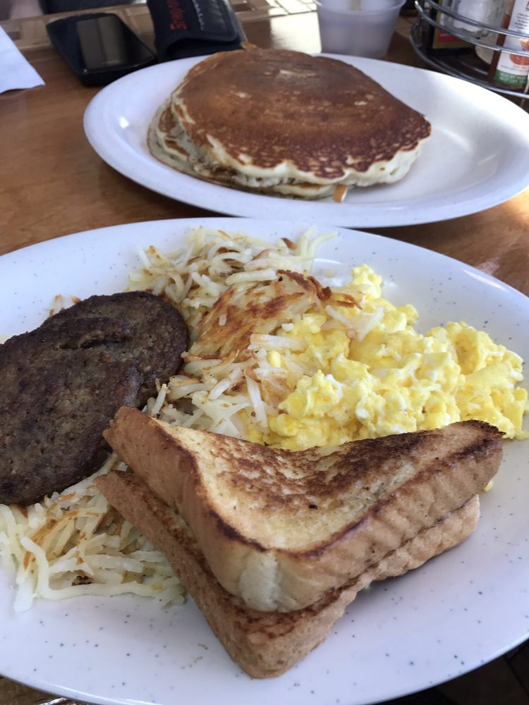 Breakfast Cove: 3419 Highway 51 S, Covington, TN