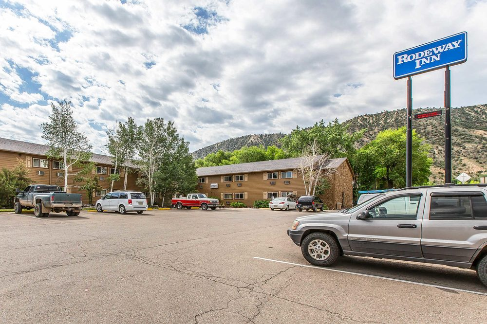 Rodeway Inn: 718 Taughenbaugh Blvd, Rifle, CO