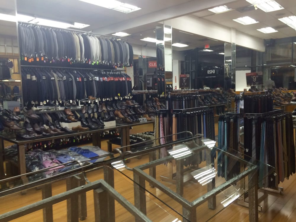 Hollywood Suit Outlet however, had totally reasonable prices and a wide variety of suits to choose from. They've got suits to fit any budget and even the cheap suits are decent quality. They look a lot more expensive than they are/5().