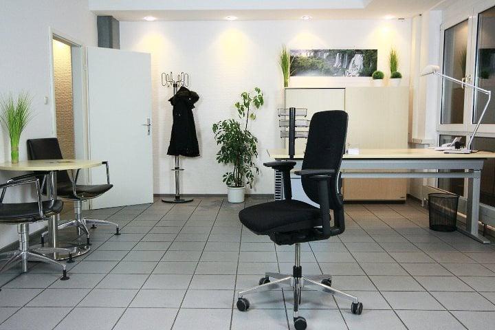 Office-4-sale - GESCHLOSSEN - 12 Fotos - Büroausstattung - Rudolf ...