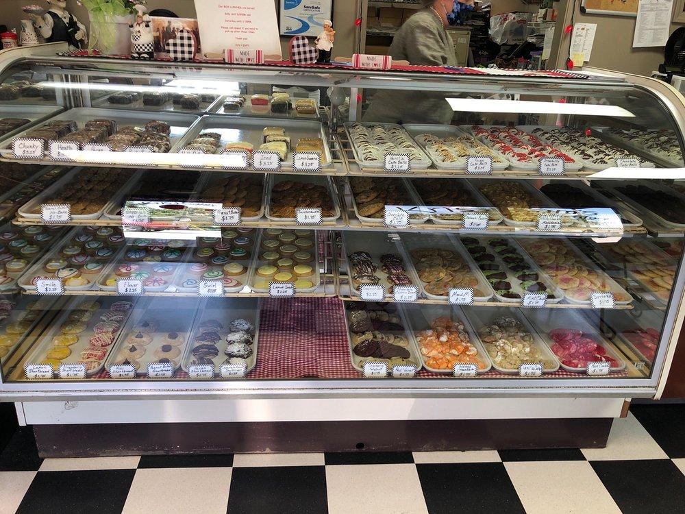 Kris & Sam's Cookie Store & More: 1208 S Bowman Rd, Little Rock, AR