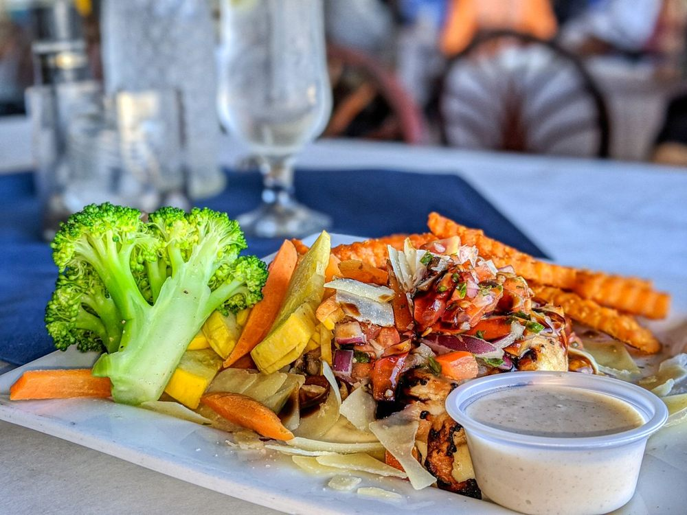 Cass Cay Bar and Restaurant: 3200 Matecumbe Key Rd, Punta Gorda, FL