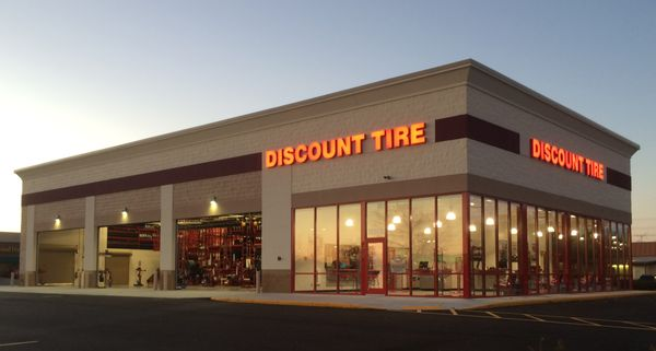 Discount Tire 1271 N Casaloma Dr Appleton Wi Tire Dealers Mapquest