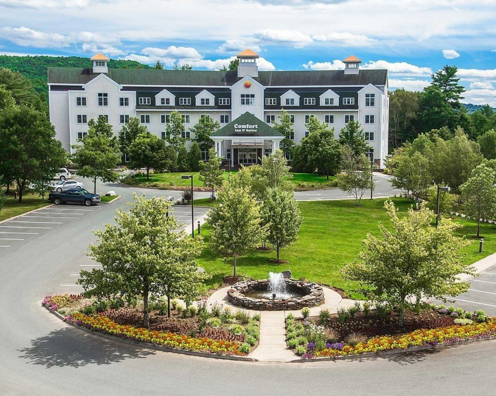 Comfort Inn & Suites Near Burke Mountain: 703 US Route 5 South, Saint Johnsbury, VT