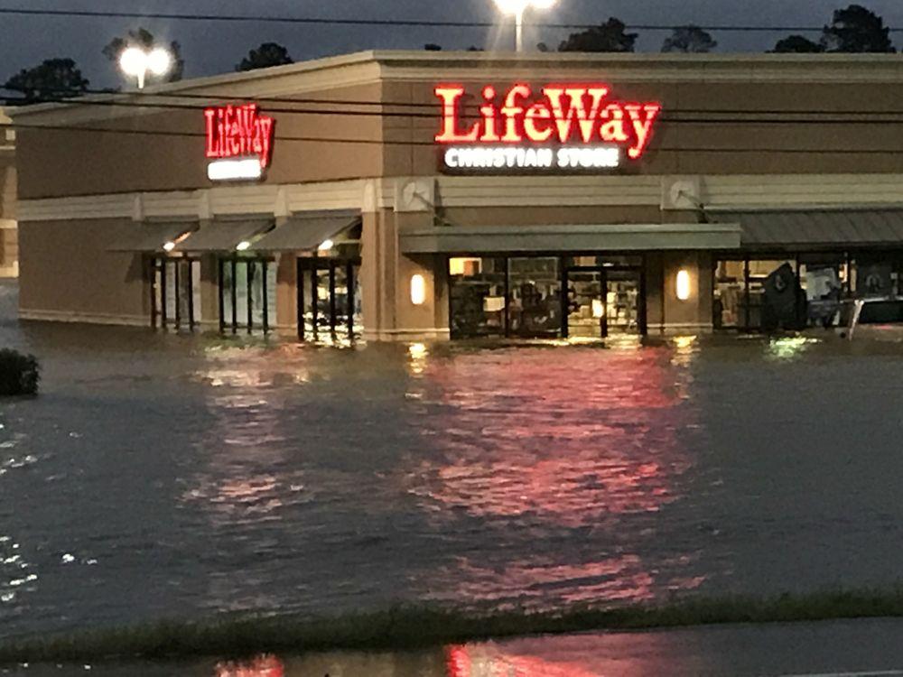 LifeWay Christian Store: 20426 Hwy 59 N, Humble, TX