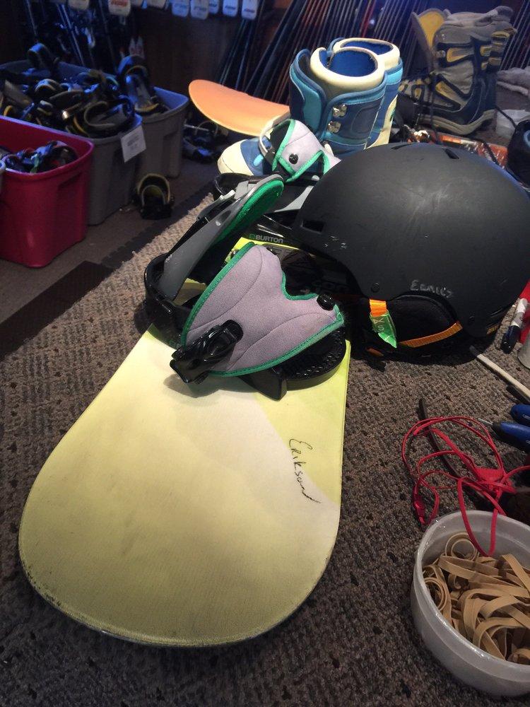 Ernie's Tackle & Ski Shop: 2604 Hwy 158, June Lake, CA